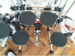 Електронни барабани YAMAHA 3
