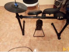 Електронни барабани,  3 чинели 3 пада и една бас без модул