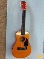 Детска акустична китара