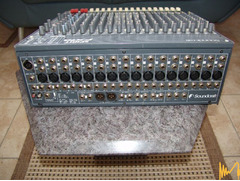 Смесителен пулт  мискер SOUNDCRAFT SPIRIT FX16