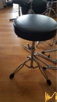 Столче за барабани