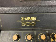 Миксер с усилвател 2х200вт. Yamaha EM300