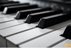 Купувам клавишен синтезатор втора ръка